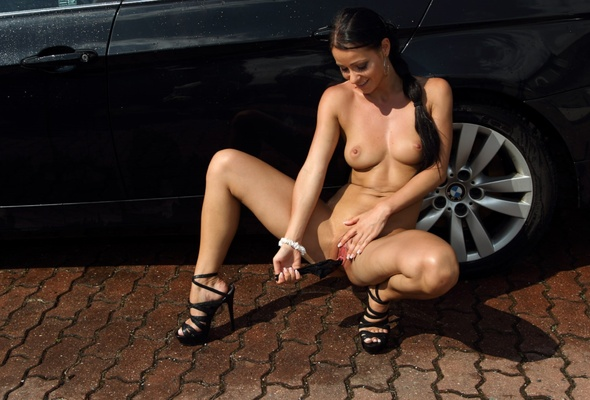 girl naked bmw in email